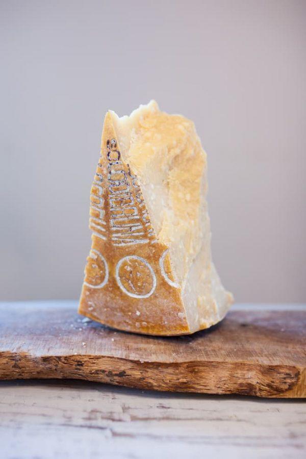 Product afbeelding Parmezaanse kaas uit de bergen 2015