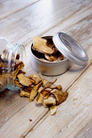 Gedroogd eekhoorntjesbrood in blikje 10 gram. productafbeelding